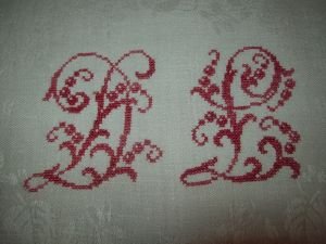 GRAND MONOGRAMME ANCIEN ROUGE DL SUR SERVIETTE